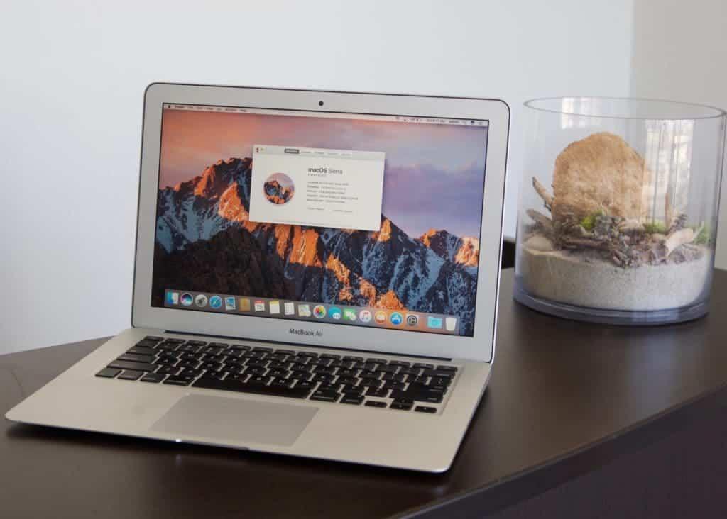"""MacBook Air 13"""" A1465 For Sale"""